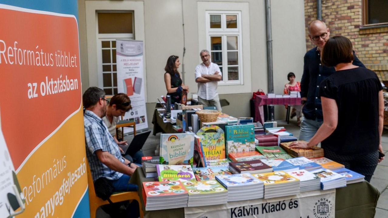 Protestáns nyári könyvvásár
